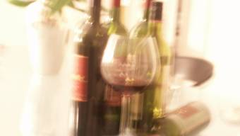 Alkoholkonsum: Ältere Menschen greifen immer häufiger zur Flasche.