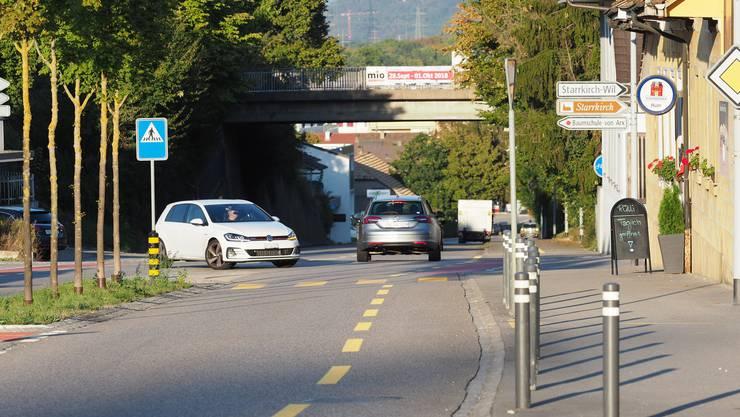 Die Hardbrücke in Starrkirch-Wil über die Aarauerstrasse muss saniert werden.
