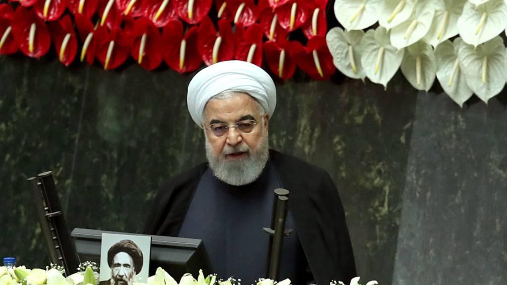 Neues Parlament im Iran beginnt mit der Arbeit