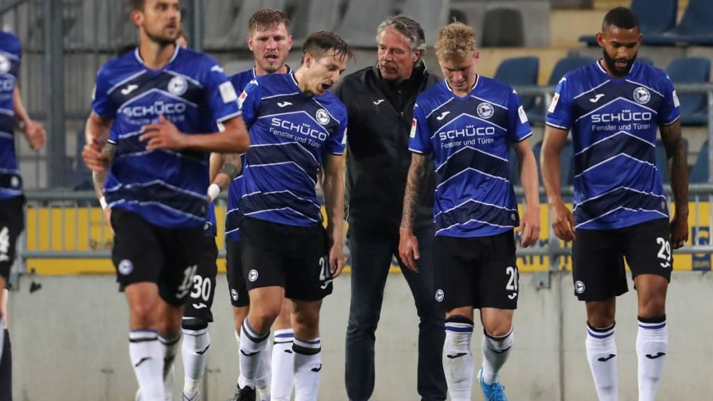Cédric Brunner und seinen Teamkollegen von Arminia Bielefeld ist der Aufstieg in die Bundesliga nun auch rechnerisch nicht mehr zu nehmen
