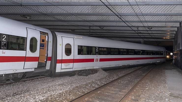 Entgleist ist der Zug um 20.50 Uhr nach dem Badischen Bahnhof auf der Fahrt in Richtung Basel SBB in der Nähe des Bethesda-Spitals.