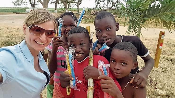 Daniela Frey brachte den Kindern in der Karibik Zahnbürsten.