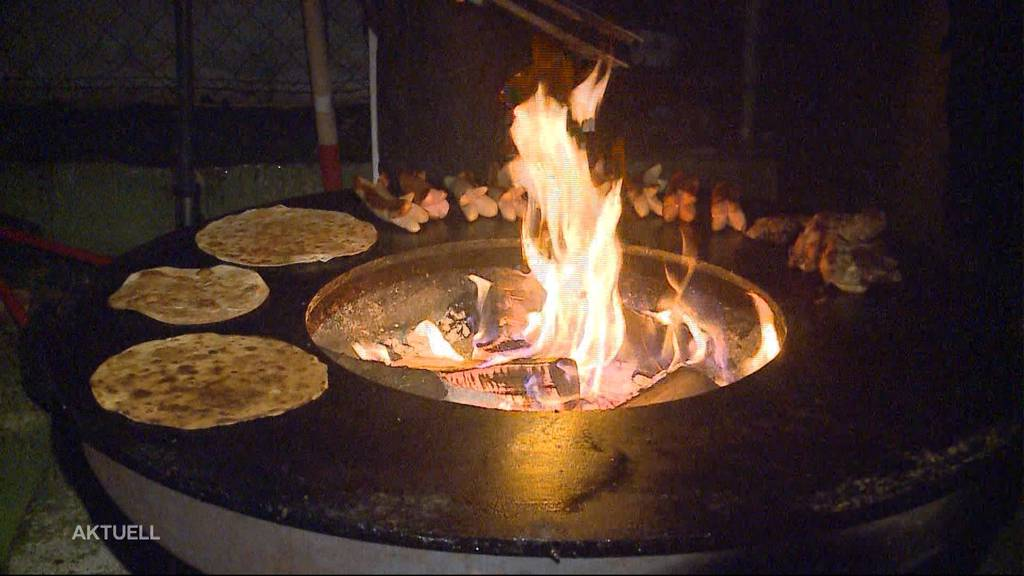 Berührende Aktion: Gratis Wurst und Brot in Baden