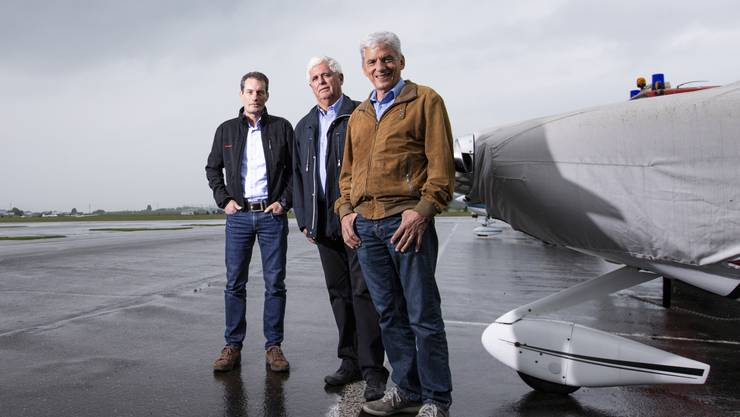 Martin Andenmatten (Flugplatzleiter), Werner Neuhaus (Präsident Aero-Club Aargau) und Heinz Wyss (Sicherheitsbeauftragter, von links) beschäftigen sich seit Jahren intensiv mit den Sicherheitsvorkehrungen auf dem Flugplatz Birrfeld.