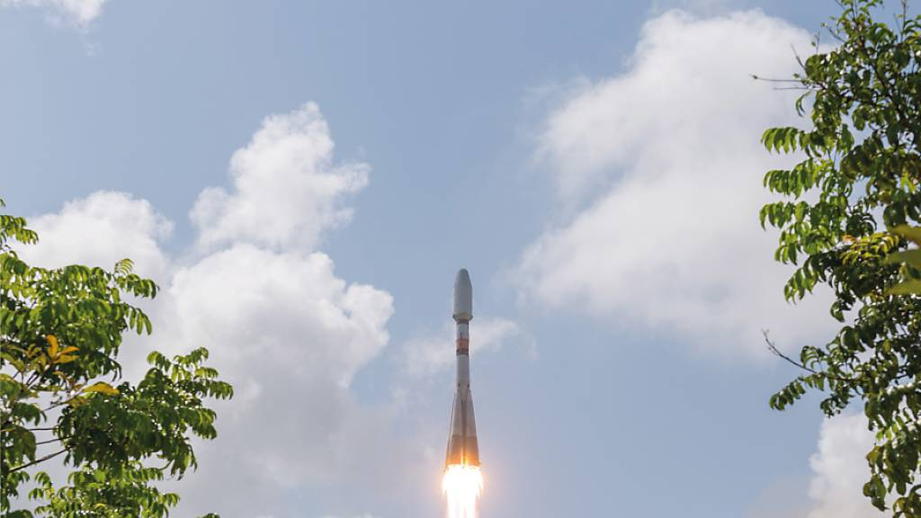 Im Dezember 2018 schiesst der erste Satellit des französischen Spionagesystems CSO auf einer Sojus-Rakete vom europäischen Raumfahrtzentrum in Kourou aus ins All. (Archivbild)