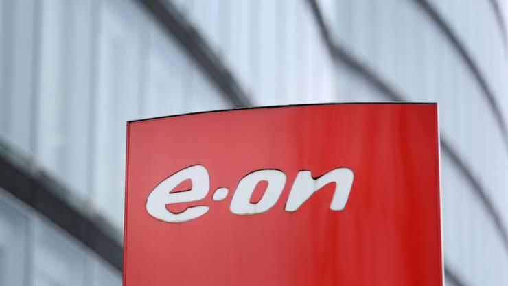 Der deutsche Energiekonzern Eon will nach roten Zahlen vor Jahresfrist in neues Wachstum investieren.