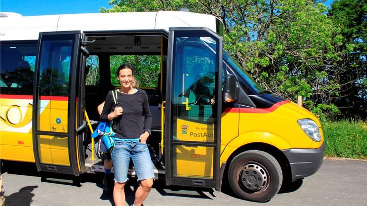Mit dem Bus im Naturpark unterwegs. zvg