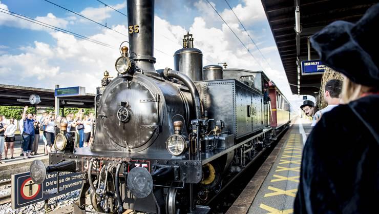 Überraschung für Lagerteilnehmer und deren Eltern: Die Kinder wurden mit der Dampflokomotive abgeholt.