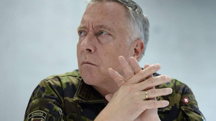 Armeechef André Blattmann an der Medienkonferenz in Alpnachstad