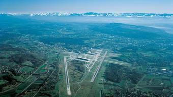 Der Pilot eines Kleinflugzeuges (Piper) kam einem Businessjet im Jahr 2014 gefährlich nahe.