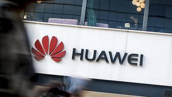Die USA wollen zum nächsten Schlag gegen den chinesischen Konzern Huawei ausholen und formal einen Bann aussprechen. (Archivbild)