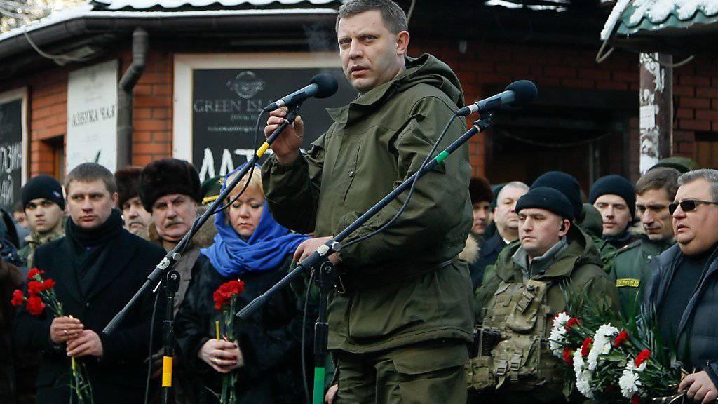 Der prorussische Rebellenanführer Alexander Sachartschenko im Zentrum von Donezk, der Hauptstadt der selbsternannten Volksrepublik Donezk - russisch: Donezkaja Narodnaja Respublika (in einer Aufnahme vom Januar 2016).