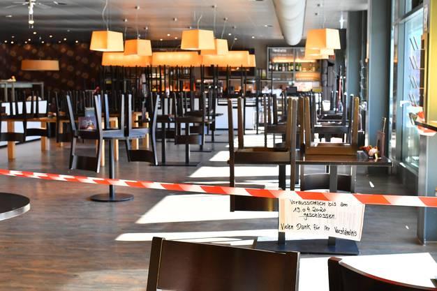 ... allerdings ist das Café geschlossen.