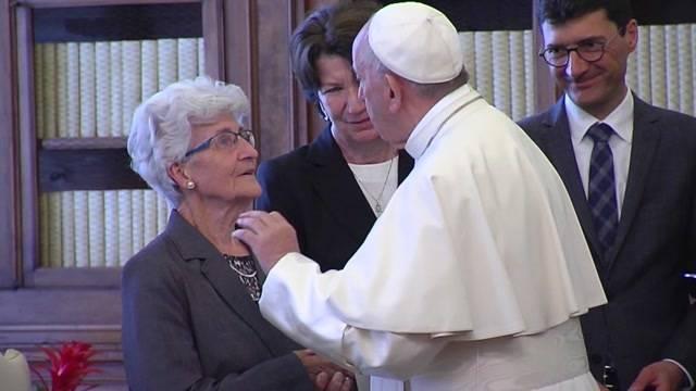Leuthard-Mutter beim Papst