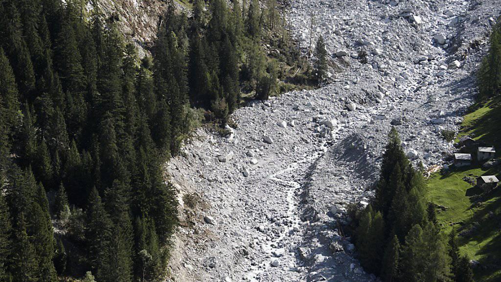 Blick ins Val Bondasca bei Bondo. Am 23. August war ein Bergsturz am Piz Cengalo niedergegangen. Acht Wanderer gelten seither als vermisst. (Archivbild)