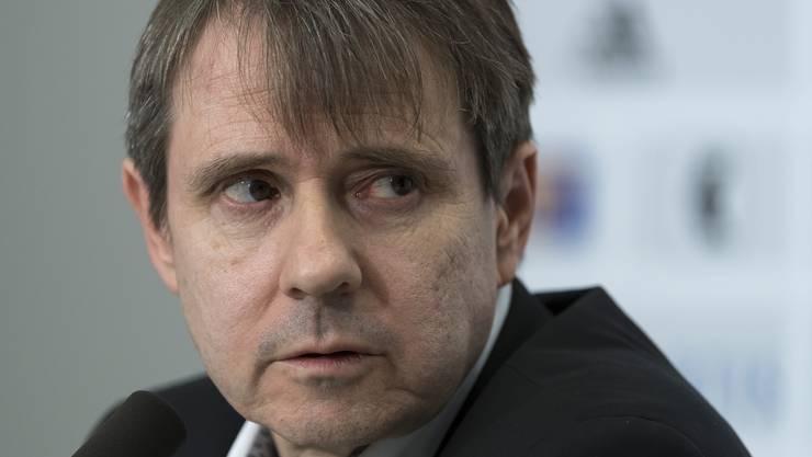 Der FCB verkündet am Freitag, dass die Verantwortlichen erst Anfang Woche Auskunft geben. Doch Präsident Bernhard Burgener hält sich nicht an die Devise.