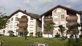 """Die Fensterläden der verwaisten Ferienwohnungen werden in Silvaplana geschlossen bleiben: Die Gemeindeversammlung hat dem Kampf des Gemeindevorstandes gegen """"kalte Betten"""" eine Absage erteilt und eine Zweitwohnungssteuer abgelehnt."""