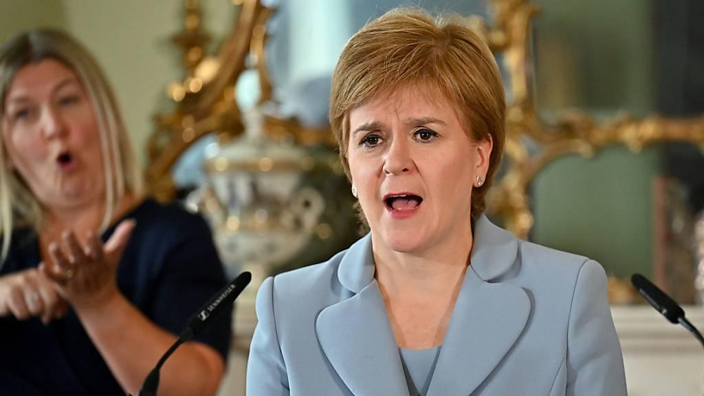 Schottlands Sturgeon will Unabhängigkeitsreferendum bis Ende 2023