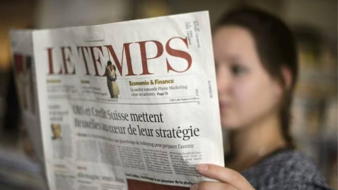 Das neue Hochglanzmagazin «T» versprüht Optimismus: Sowohl Ringier Axel Springer als auch Tamedia setzen mit ihren welschen Titeln auf den Zeitungsausbau am Samstag. Foto: Keystone, Ho