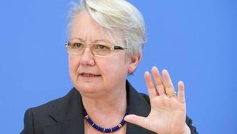 Bildungsministerin bald ohne Doktortitel? Annette Schavans Dissertation auf dem Prüfstand (Archiv)