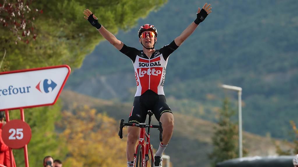 Der Belgier Tim Wellens freut sich über seinen ersten Vuelta-Etappensieg