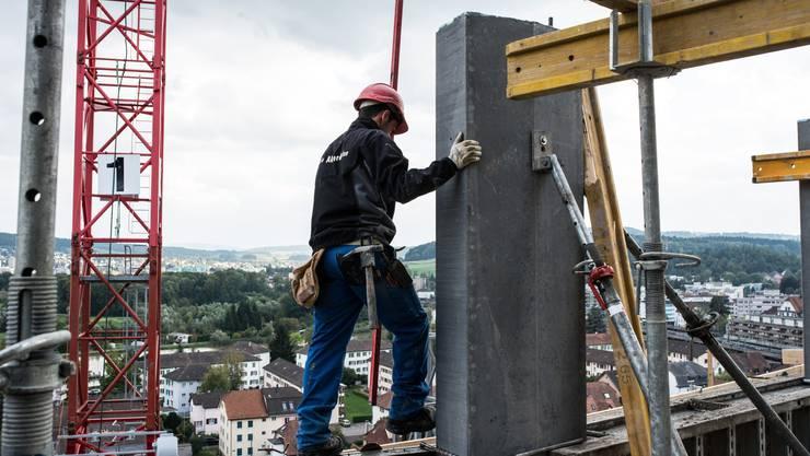 Steigt die Arbeitslosigkeit, spürt das oft auch die konjunkturanfällige Baubranche. (Symbolbild)