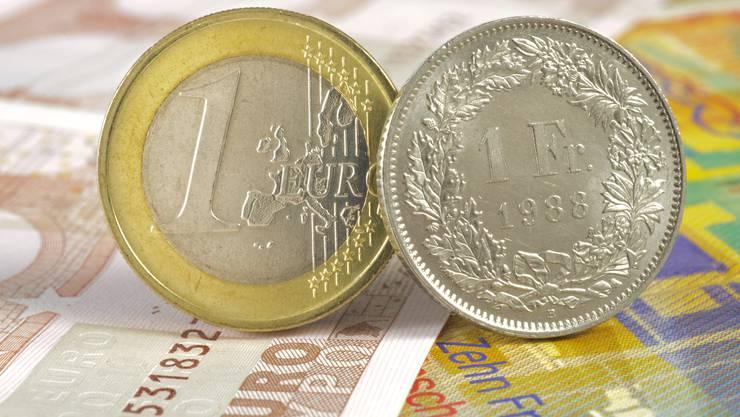 Der Euro und der Franken sind zurzeit fast gleich viel wert.