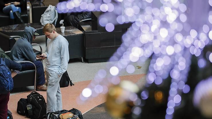 Mitten im Weihnachtsverkehr ging am grössten Flughafen der Welt in Atlanta elf Stunden lang nichts mehr. Grund war ein Brand in einer elektrischen Anlage. (Archivbild)