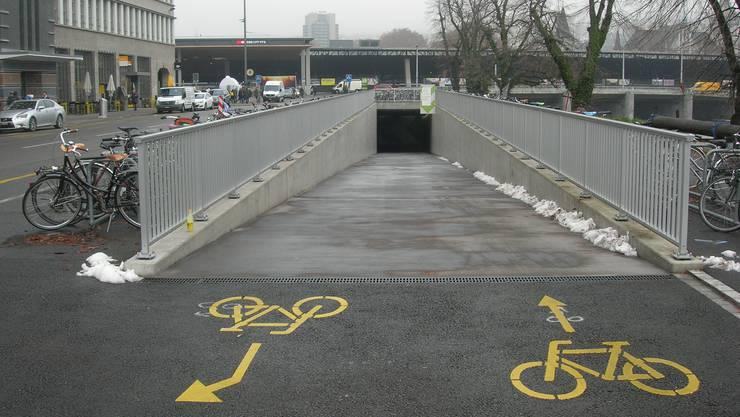 Den Stadttunnel wird heute teils schon als Velostation genutzt. (Archiv)