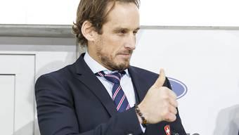 Daumen hoch bei Patrick Fischer: Der Nationaltrainer siegt mit der Schweiz im ersten Testspiel gegen Deutschland