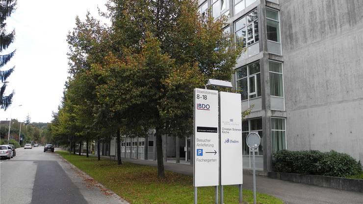 Biberiststrasse 18, Solothurn: Im Ostflügel (links) dieses Komplexes erfolgt der Start der Porsche Design Timepieces AG. Noch stehen die Büros aber leer, und wer auf die eingetragene Büronummer anruft, erhält (noch) keine Antwort.