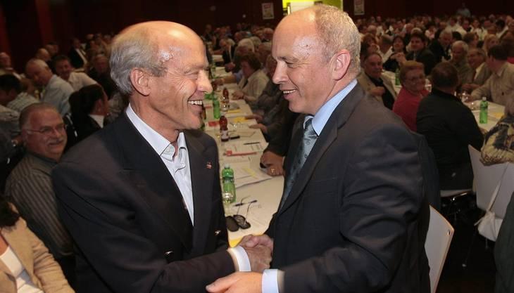 Das war 2007: Geiger tritt als Ständeratskandidat zurück und wünscht Ueli Maurer Glück. Der verliert die Wahl, wird später aber Bundesrat.