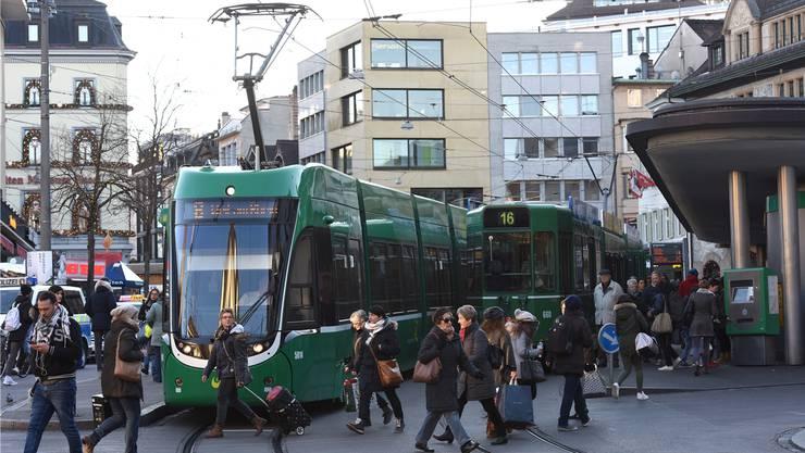 Im Flexity-Tram sehen die Fahrer Fussgänger oft nur schlecht.