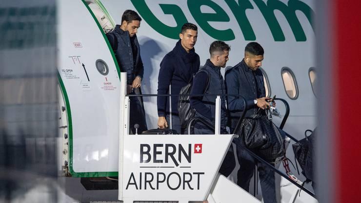Punkt 17:00 Uhr landete die Maschine mit Cristiano Ronaldo & Co. am Flughafen in Bern.