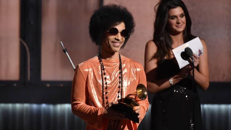 <p>Prince bei den Grammy Verleihungen 2015</p>