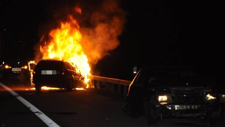 Das brennende Auto auf der A1 bei Niederbipp