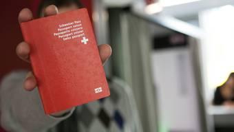 Verwaltungsakt statt politischer Entscheid: Über Einbürgerungen soll im Baselbiet nicht mehr die Bürgergemeindeversammlung befinden.