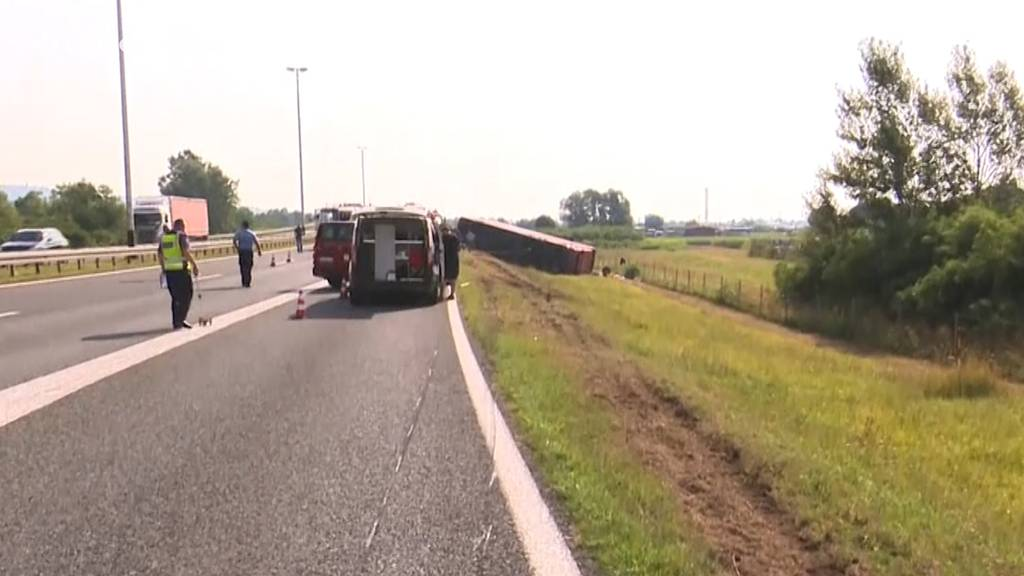 Fahrer eingeschlafen: Zehn Tote bei Busunfall in Kroatien