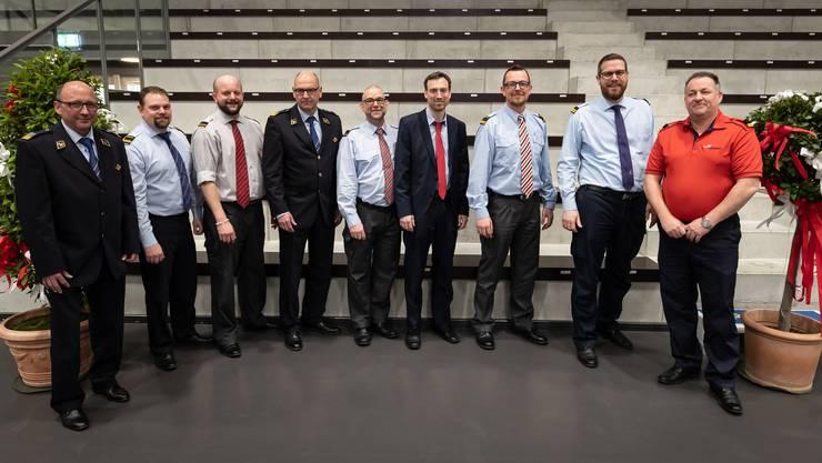 Der Vorstand des neuen Verbandes (v. l.): Daniel Arni, Alain Lack, Daniel Kaspar, Markus Grenacher (Feuerwehrinspektor), Robi Baumgartner, Daniel Müller, Boris Anderegg, Philipp Stierli (Präsident), Thomas Maritz.