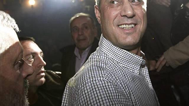 Im Blitzlichtgewitter: Ministerpräsident Hashim Thaci in Pristina
