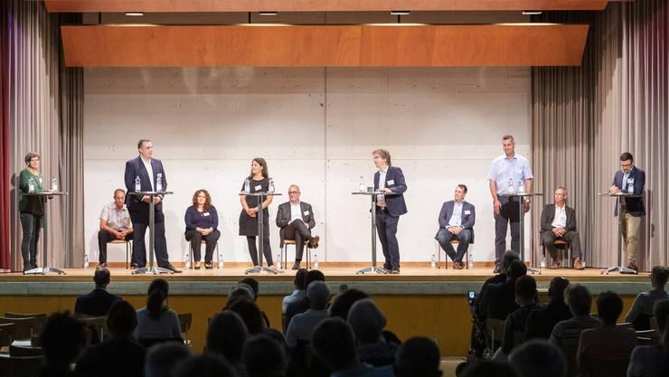 """Für das """"neue Wir-Gefühl"""" plädierten alle zehn Kandidierenden, man wolle trotzdem den """"eigenen Charakter der einzelnen Ortsteile erhalten""""."""