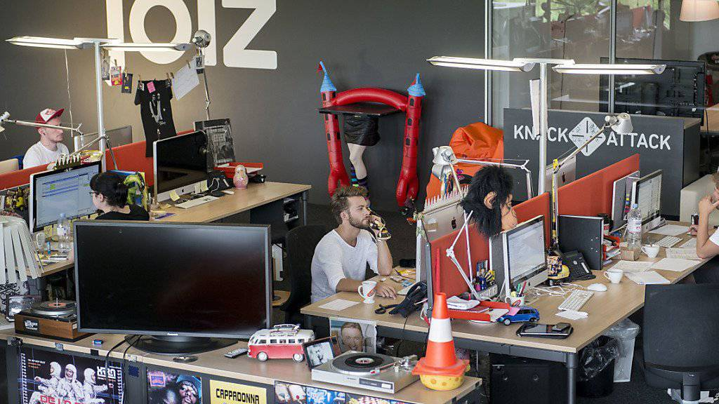 In den Redaktionsräumen von joiz wird bald kein Programm mehr gestaltet. Der Schweizer Jugendfernsehsender hat seine Bilanz deponiert. (Archivbild)