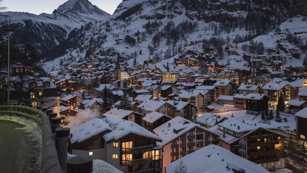 Die junge Frau war im Morgengrauen aus ihrer Ferienwohnung in Zermatt verschwunden. (Symbolbild)