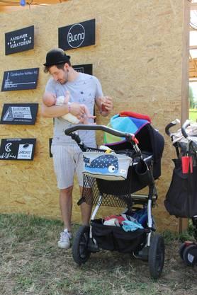 Tobias Zanin, 31, Umiken, besuchte das Festival mit seinem sechs Wochen alten Sohn.