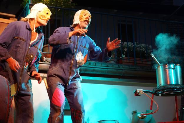 Das Maskentheater Paella Komplott ist eine Hommage an die italienische Commedia dell'arte (ub)1