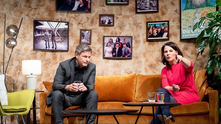 Die Co-Vorsitzenden der Grünen, Robert Habeck und Annalena Baerbock, beim digitalen Bundesparteitag der Partei. Foto: Kay Nietfeld/dpa