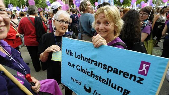 Erhalten Unterstützung vom Parlament: Frauen am Frauenstreiktag (Archiv)