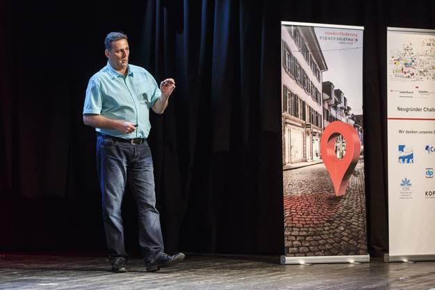 Toni Famos stellt das Institut SwissQuali AG vor