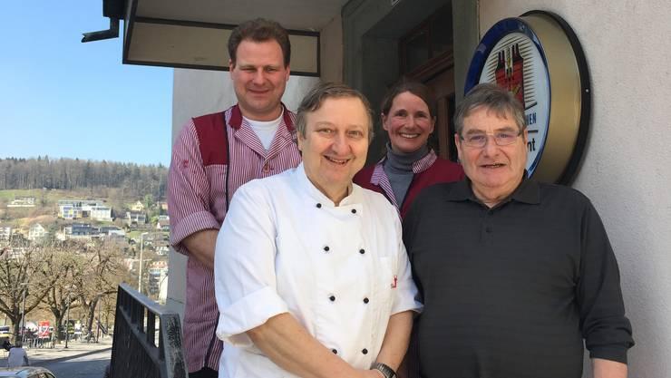 Die Ära Speck am Zollrain geht zu Ende: Die Brüder Fredy (v. l.) und Arthur Speck. Das Unternehmen gehört seit 2006 Peter und Christine Speck (hinten).
