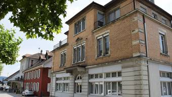 """Die Liegenschaften auf dem Areal """"Alte Post"""" in Brugg (von vorne): """"Kupper-Haus"""", """"""""Müller-Haus"""", Alte-Schmitte"""""""